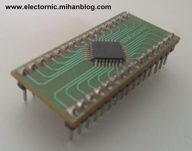 http://electronic289.persiangig.com/image/atmega%208/atmega8%20adaptor.jpg